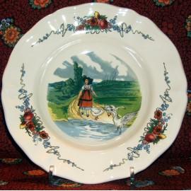 "Assiette creuse ""gardienne d'oie"" Obernai"