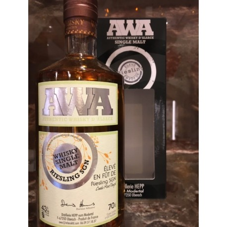Whisky d'alsace AWA fût de pinot gris 70 cl.