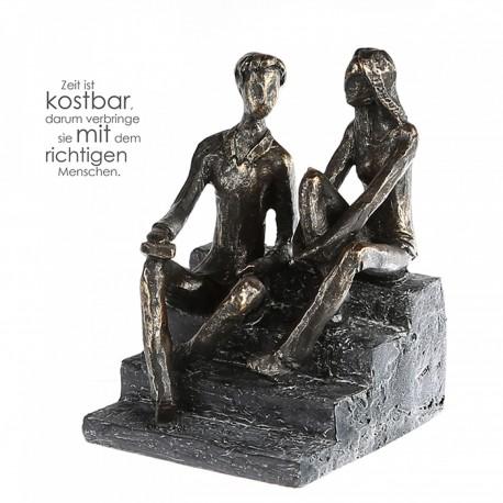 "Sculpture lovers talk ""Casablanca"""